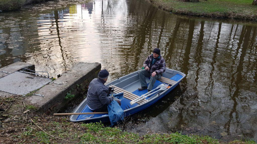 """""""Frühjahrsputz"""" an den Vereinsgewässern in Hildburghausen"""